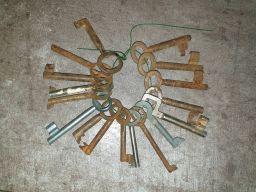 Stary pęk kluczy, cena za całość,do bramy, bramki